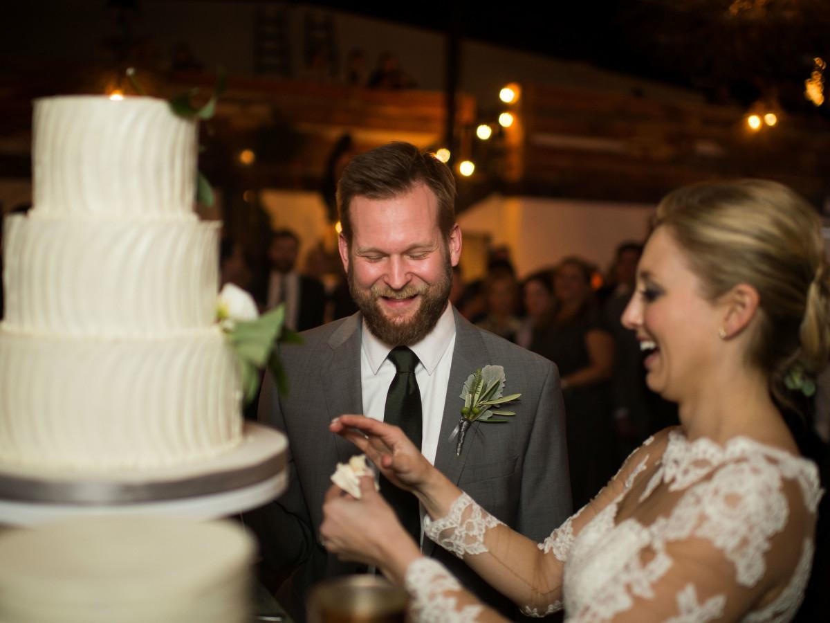 Katie Van Dyk Ben Nelson real wedding-cake