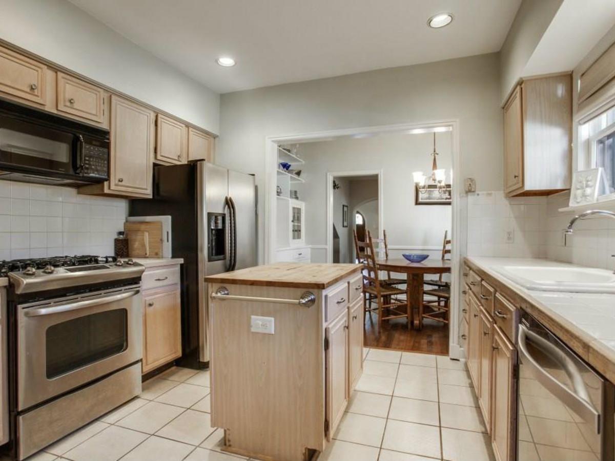 522 Monte Vista kitchen