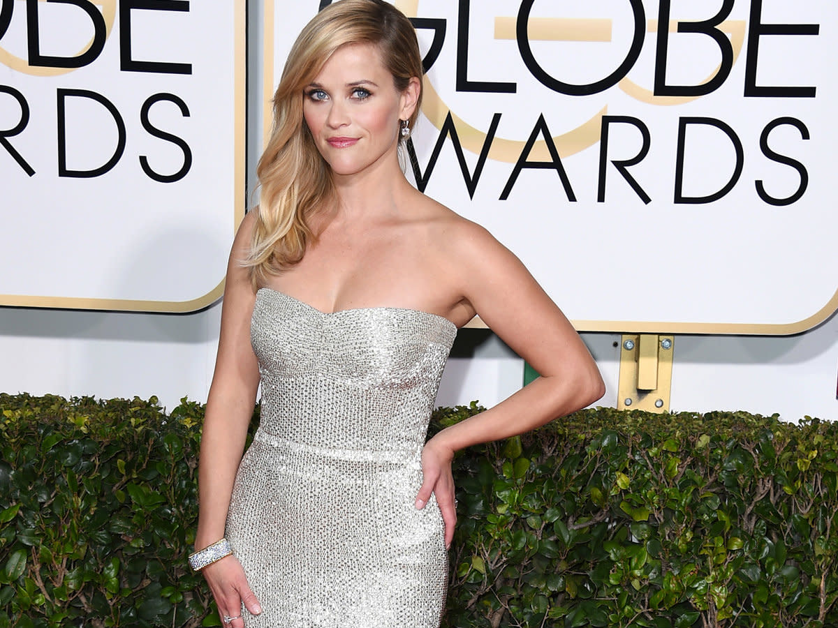 Reese Witherspoon at Golden Globes 2015