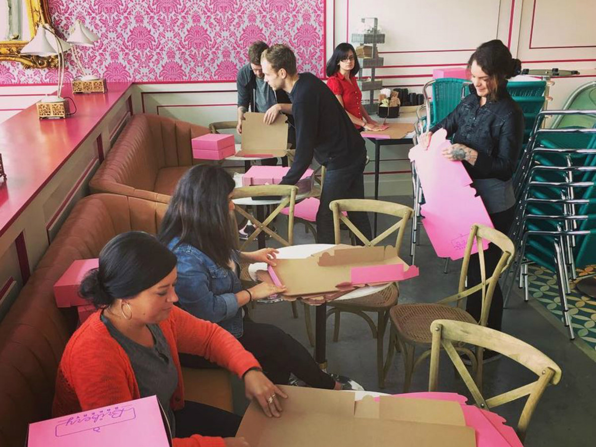 Bribery Bakery Mueller interior pink boxes