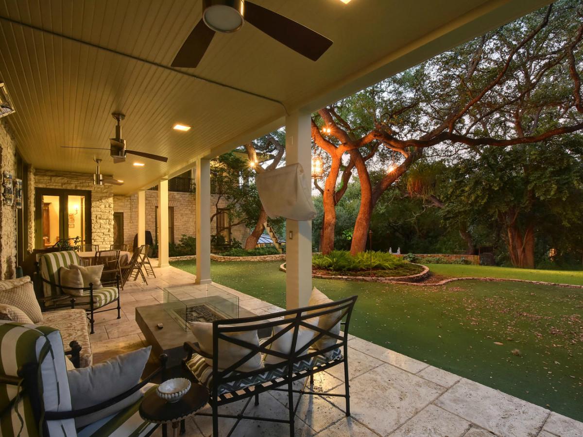 Austin house home Tarrytown 2610 Kenmore Court Ben Crenshaw February 2016 backyard porch