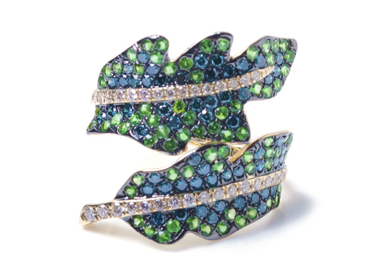 Pratiksha Aria Bahamas tsavorite and blue diamond banana leaf wrap ring