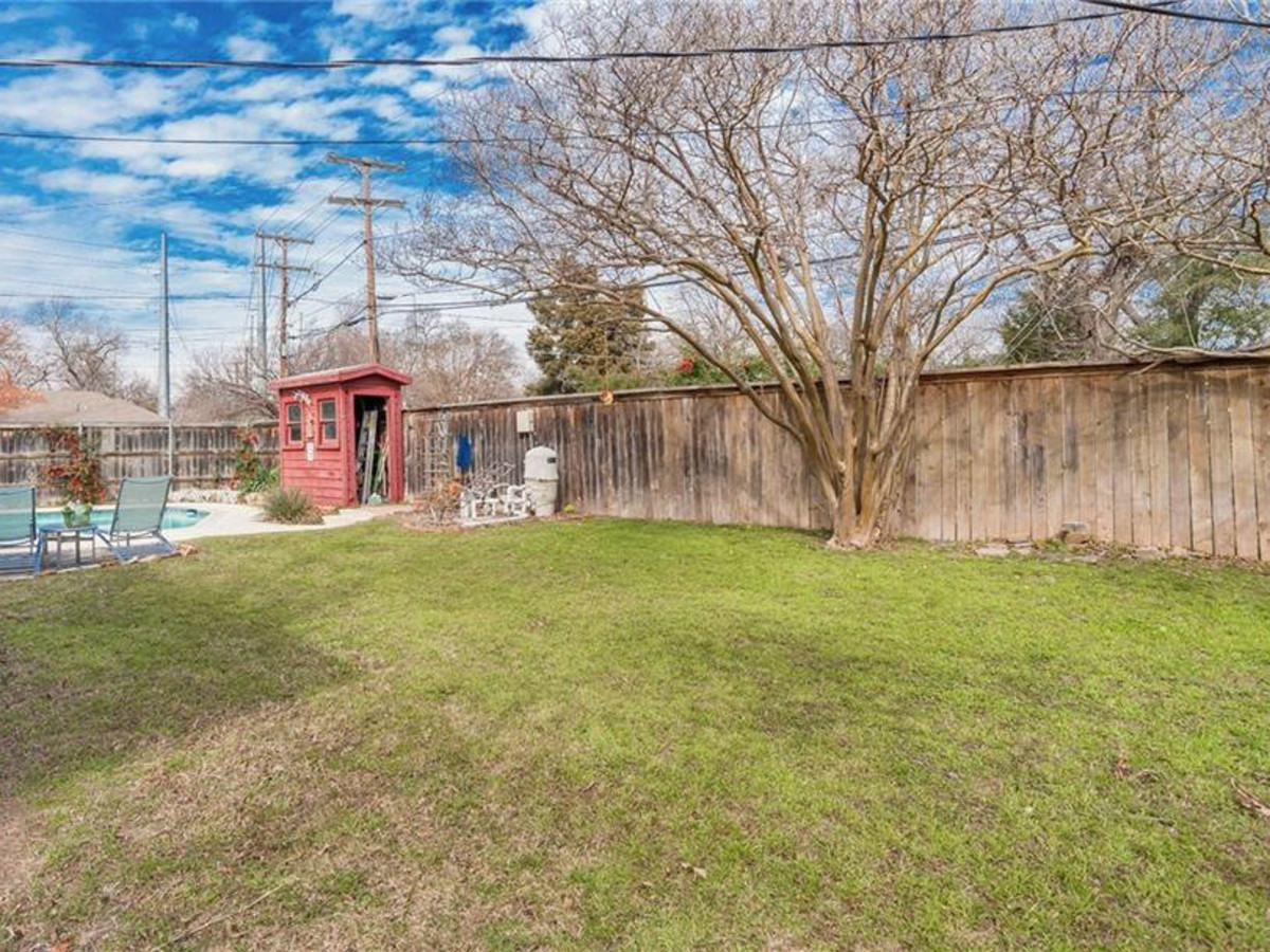 dallas home, home for sale, backyard, 2005 Saint Francis Avenue