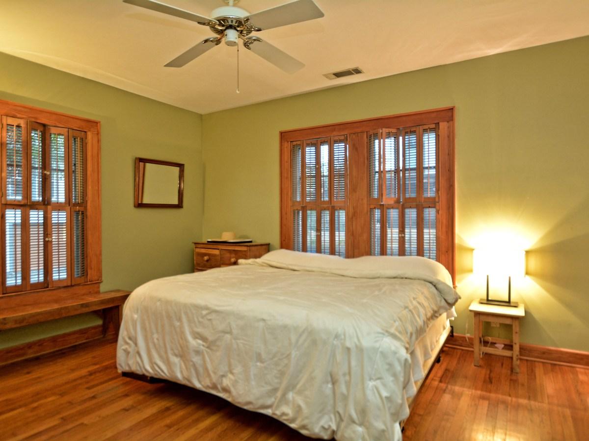 1610 Juliet St. master bedroom
