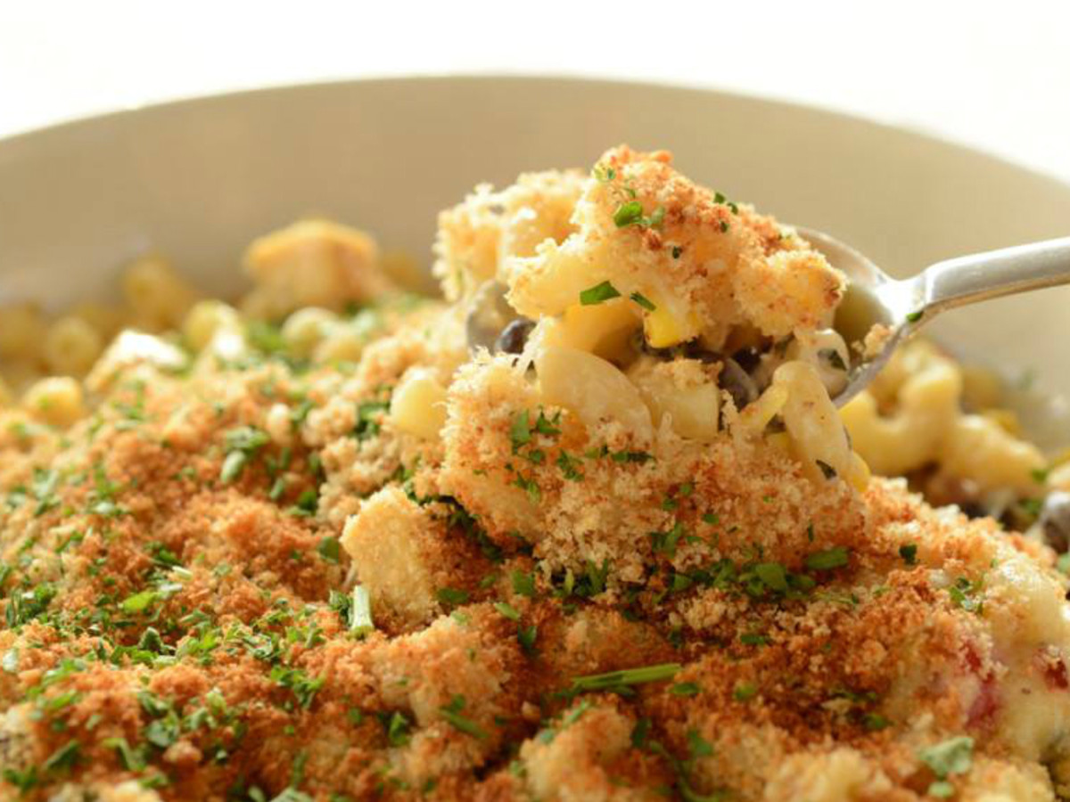 Moonshine Patio Bar and Grill green chil macaroni cheese