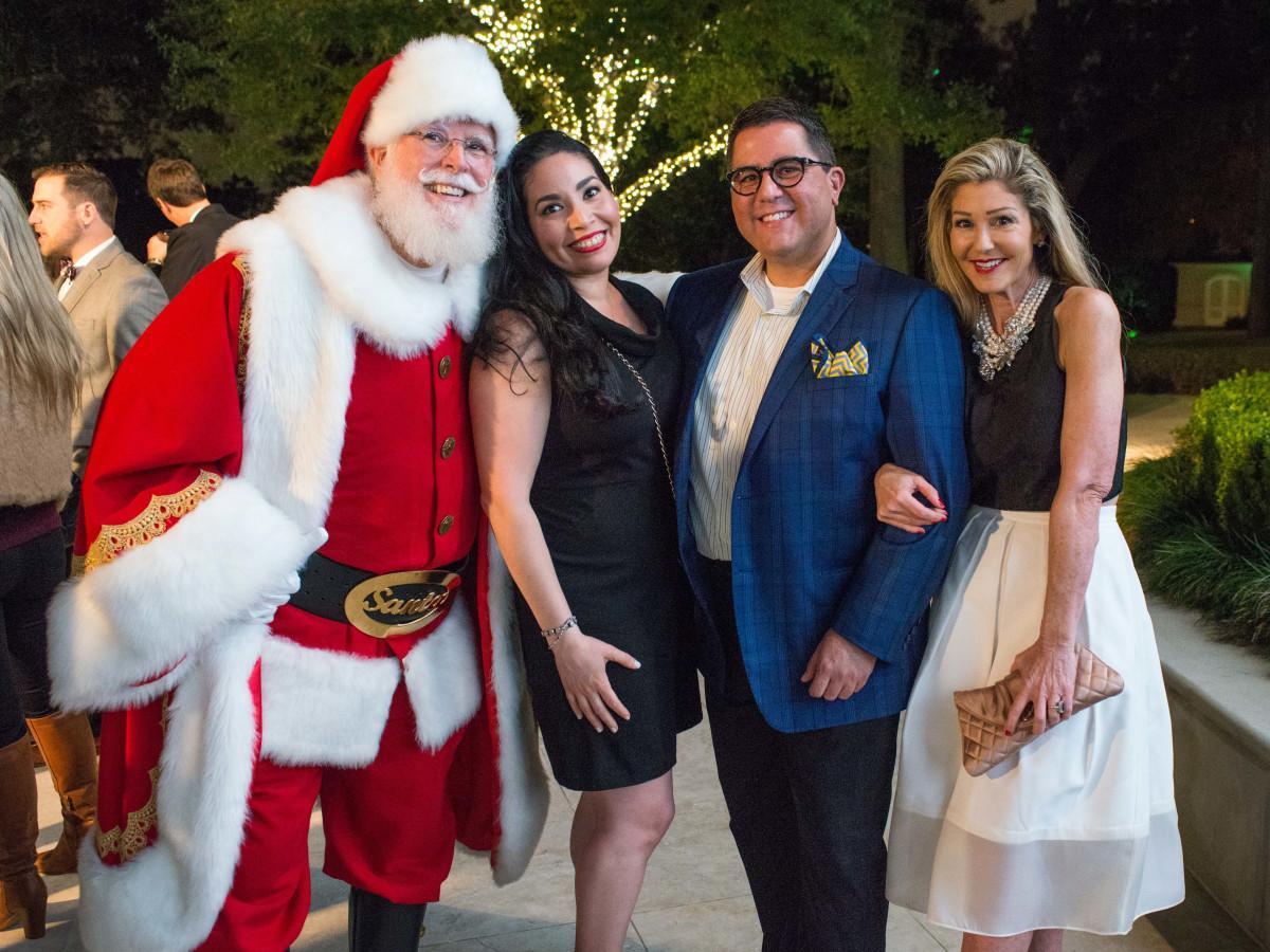 News, MD Anderson Santa's Elves, Dec. 2015, Enid Sanchez, Dr. Roland Maldonado, Patti Murphy