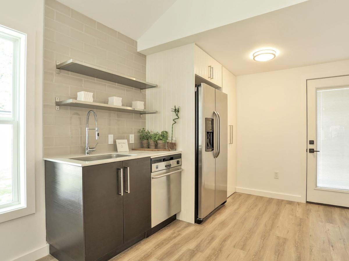 1209 Salina Austin home for sale kitchen