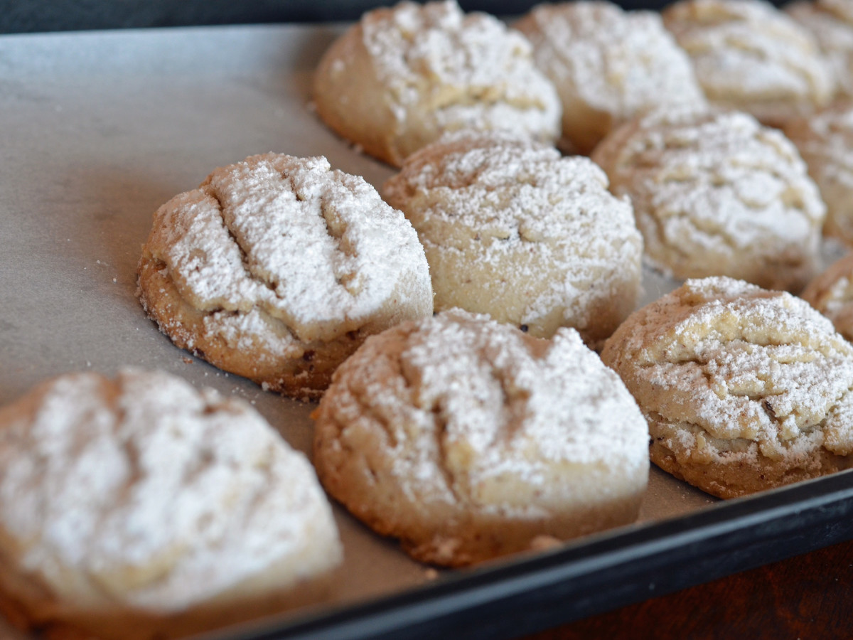 Rustika Cafe pecan cookies