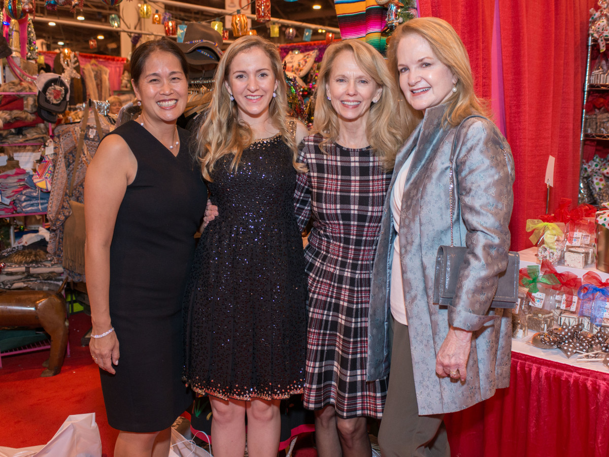 News, Shelby, Nutcracker Market, Nov. 2015, Grace Kim, Kelly Krohn, Susan Sarofim, Sandy Barrett