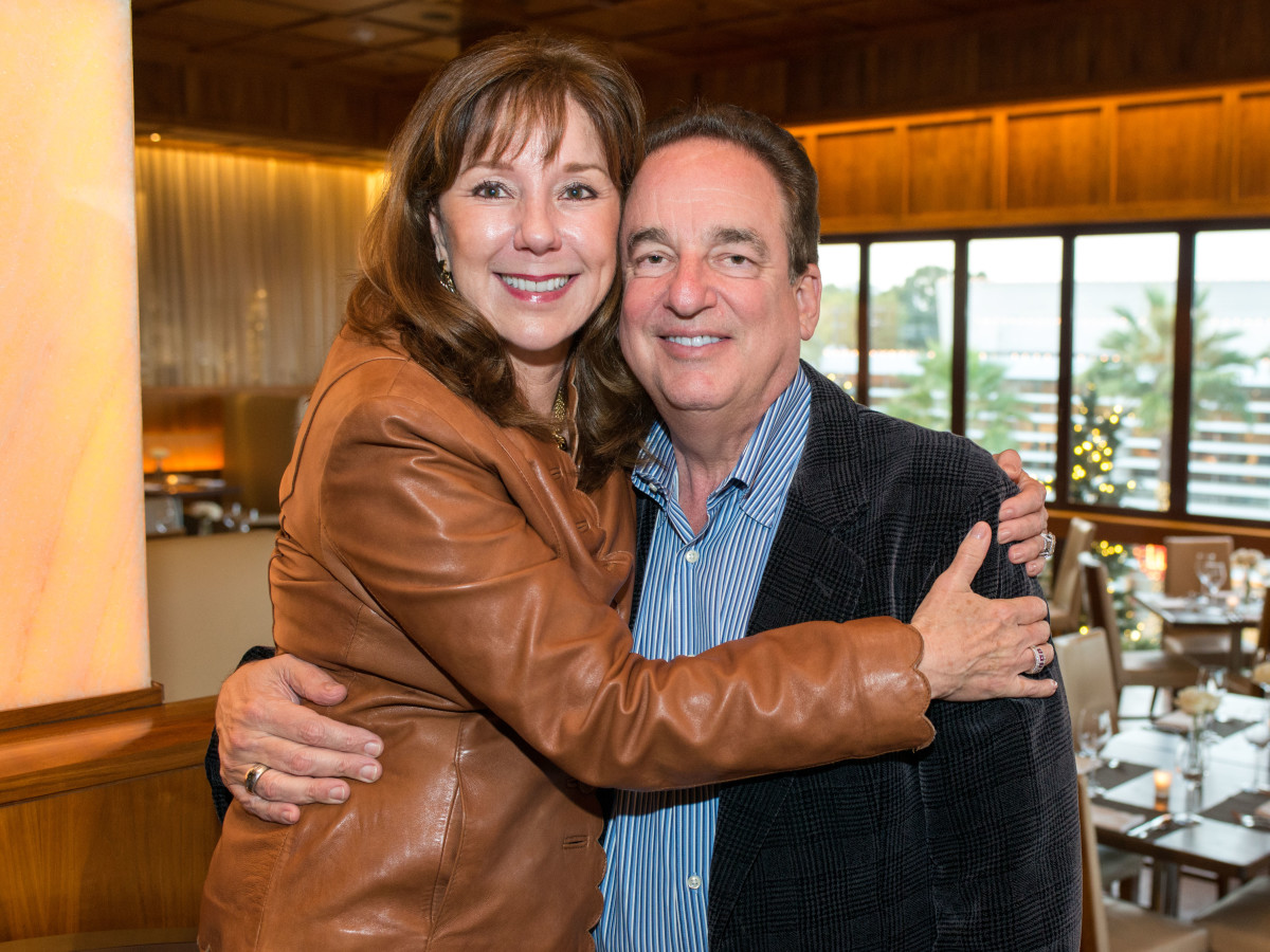 News, Shelby, Holiday Card kickoff, Oct. 2015, Elizabeth Stein, Alan Stein