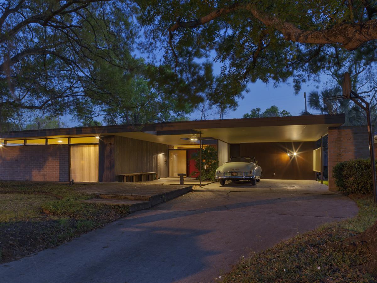 4111 Drummond AIA Home Tour exterior