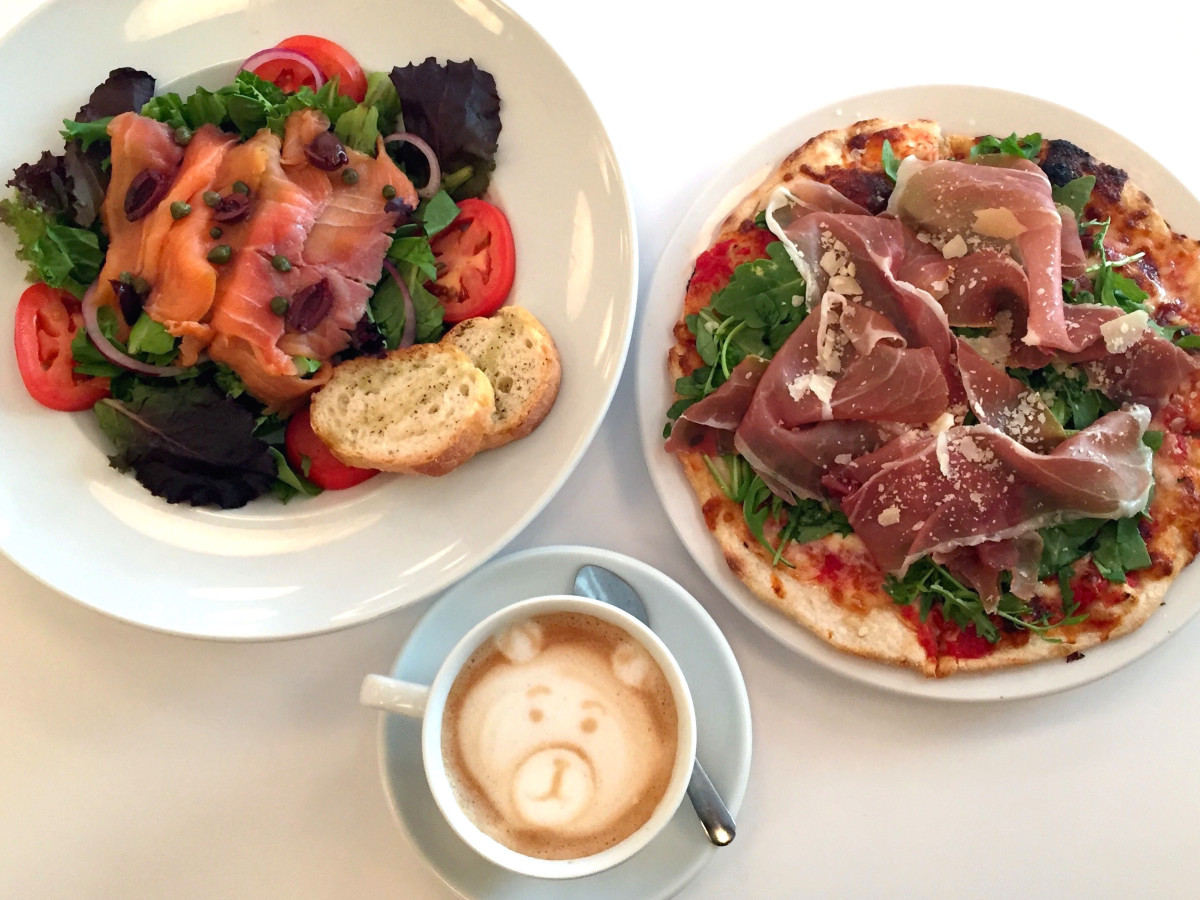 Houston, MFACafe, October 2015, salmon salad and prosciutto pizza