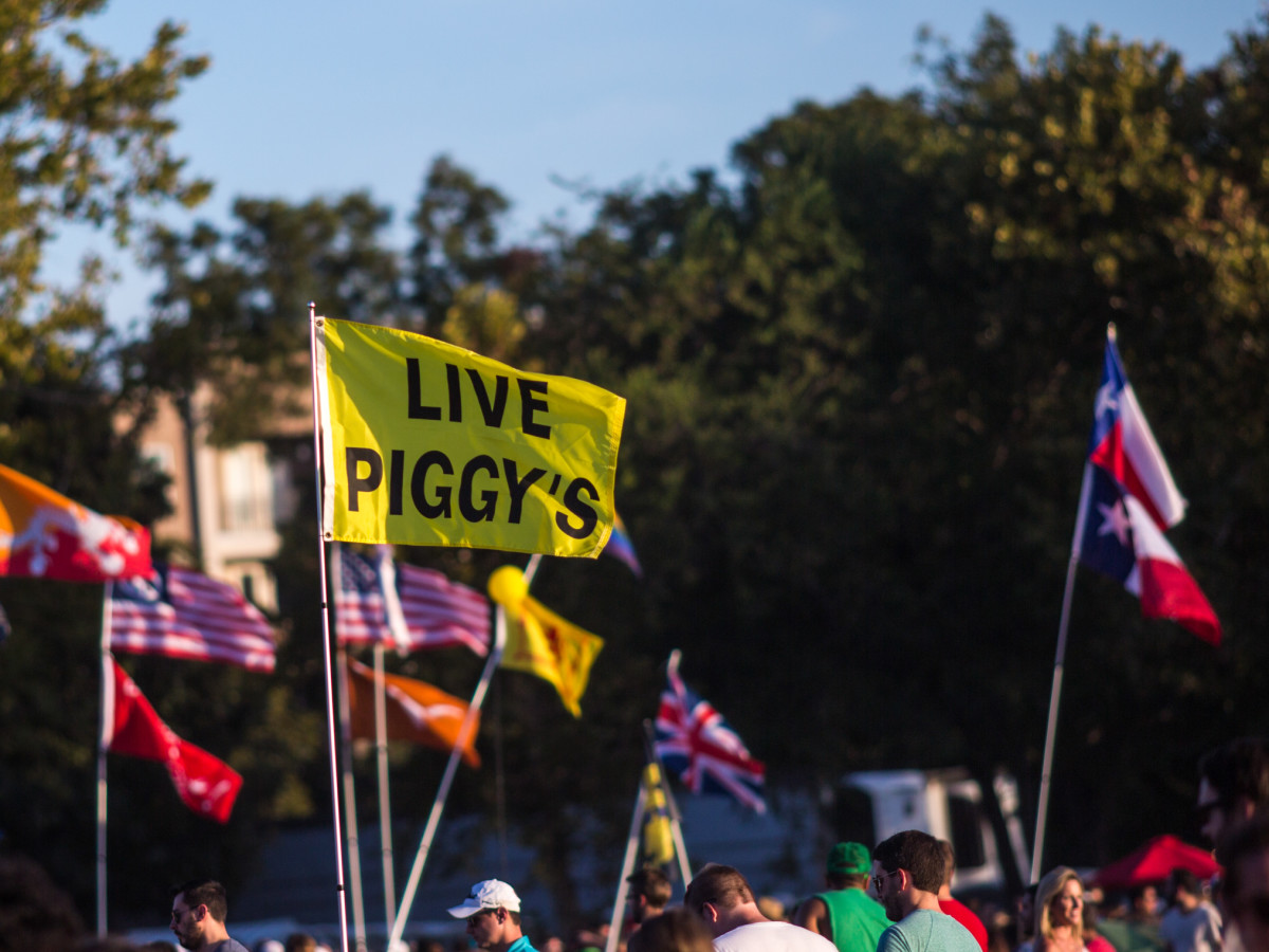 Austin City Limits Festival ACL 2015 Weekend One Best Signs Best Flags Live Piggy's