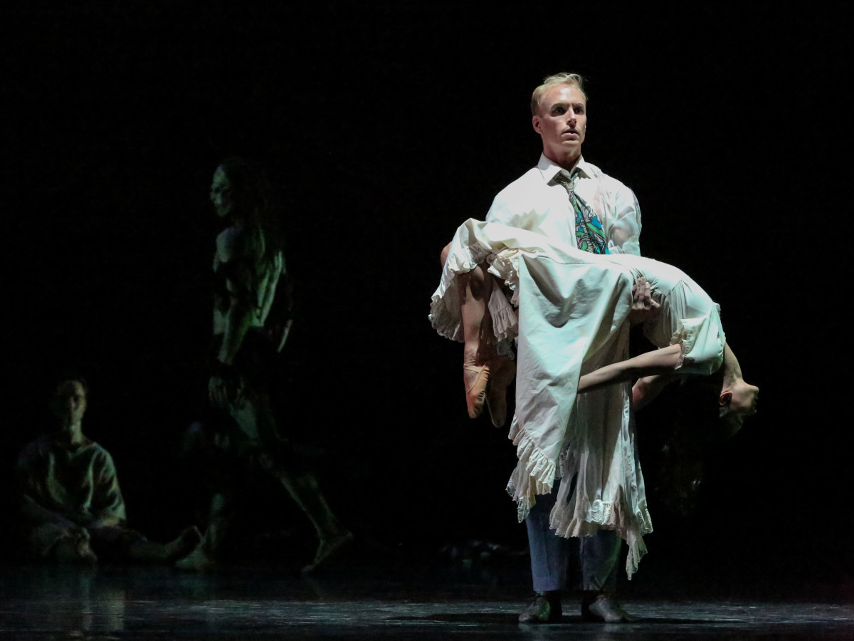 Karina Gonzalez and Christopher Gray in Houston Ballet's Ghost Dances