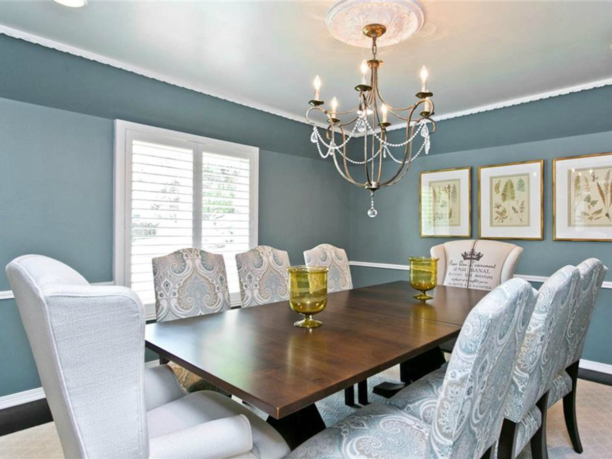 Dining room at 9722 Boedecker in Dallas