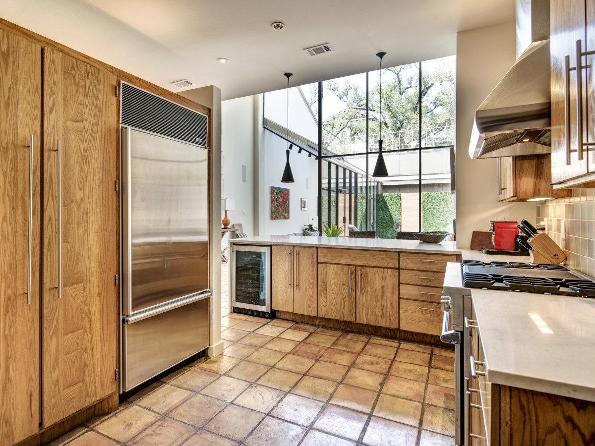 Houston, 1203 Berthea, September 2015, kitchen