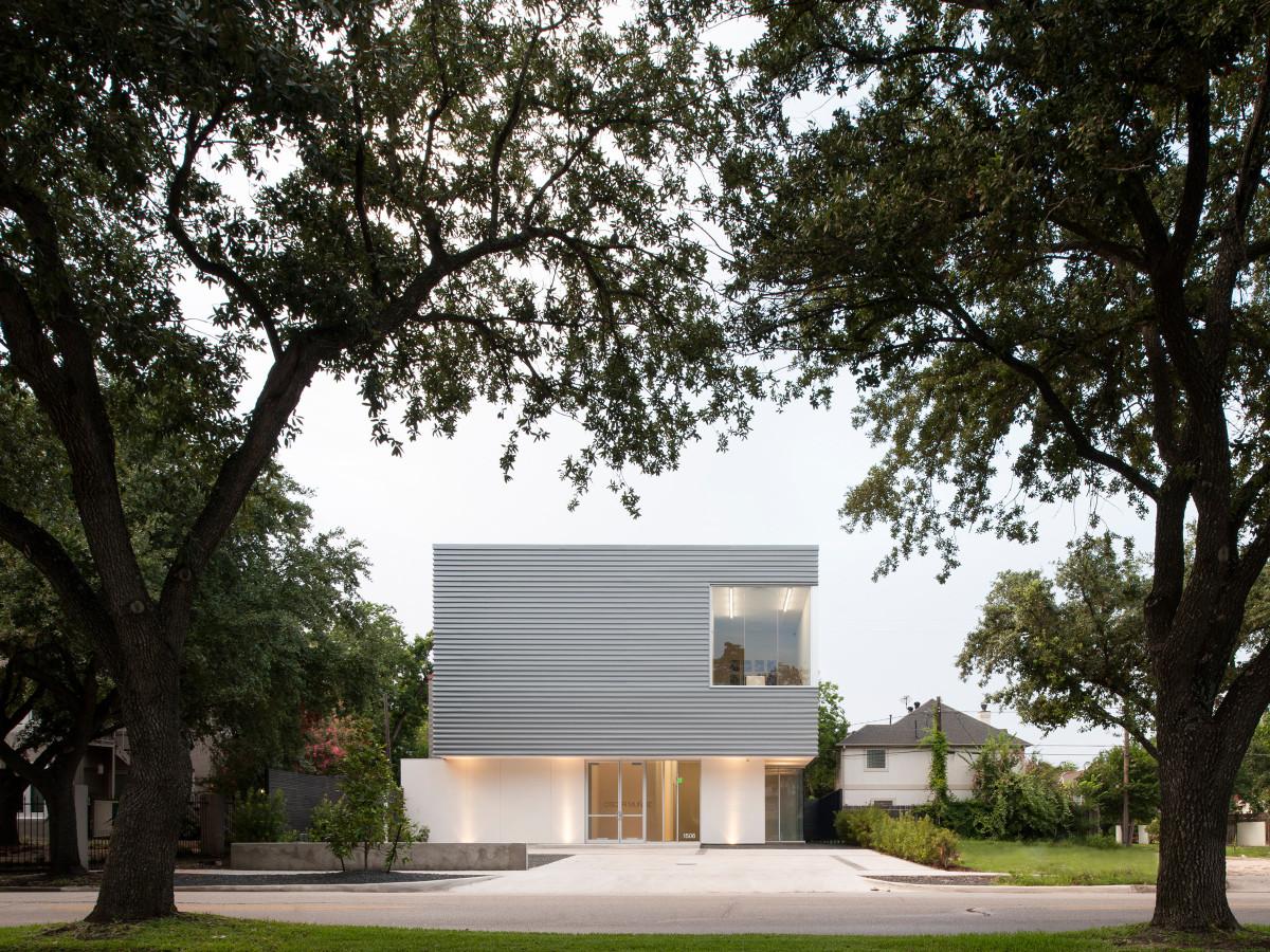 Sicardi Gallery Brave / Architecture