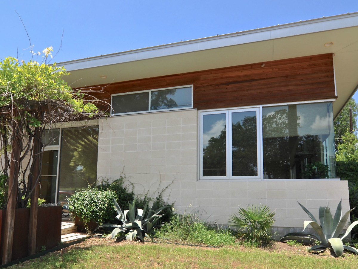 Austin home house 1011 E. 15th St. 78702 2015 exterior 2