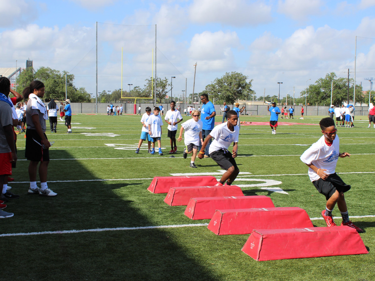 DJ Hayden Football Camp 2015 drills