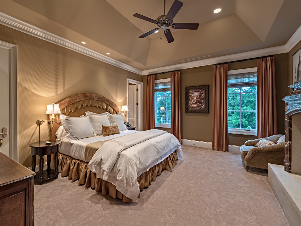 Houston, Buckingham 527, June 2015, guest bedroom