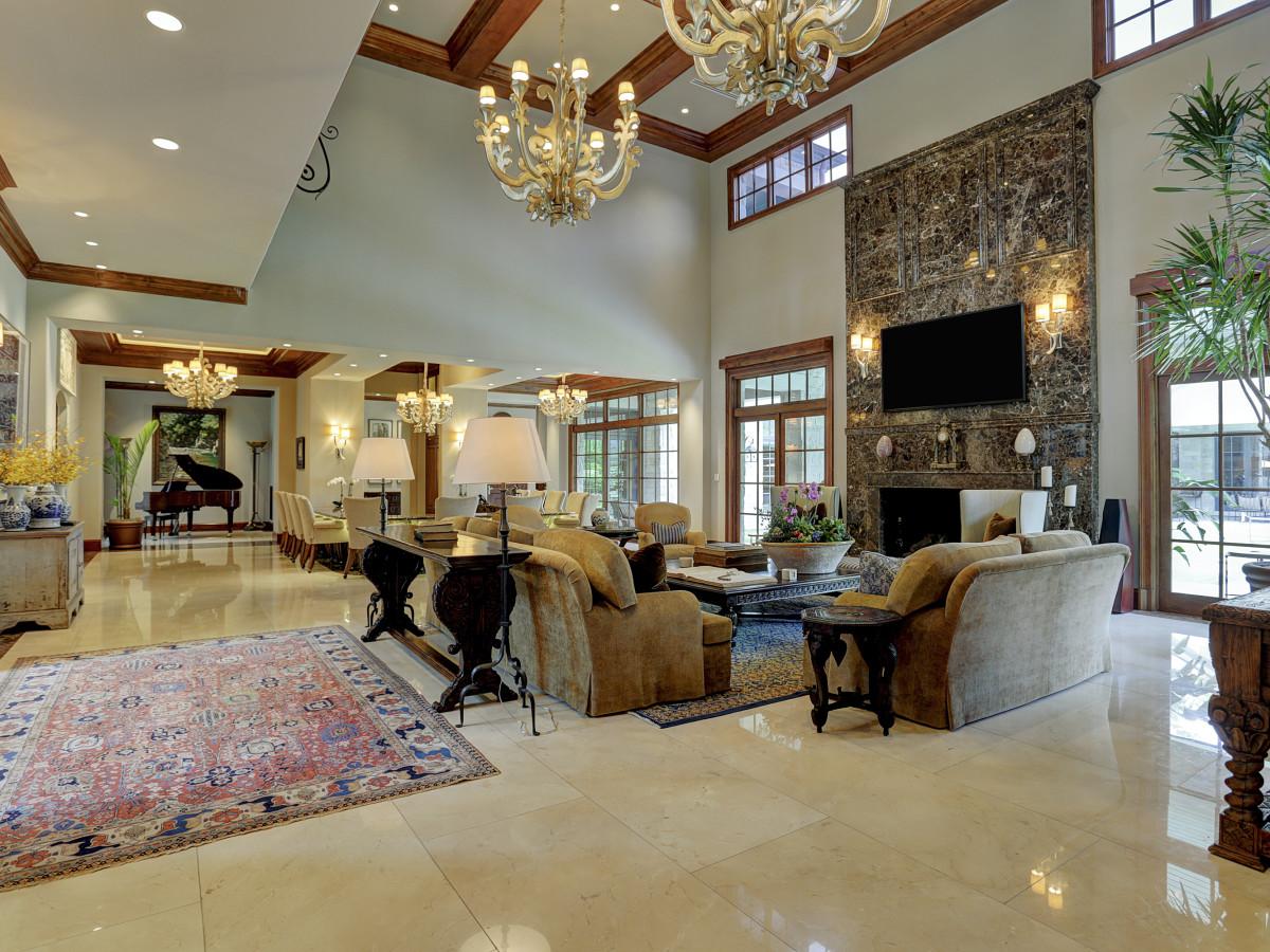 Houston, Buckingham 527, June 2015, living room
