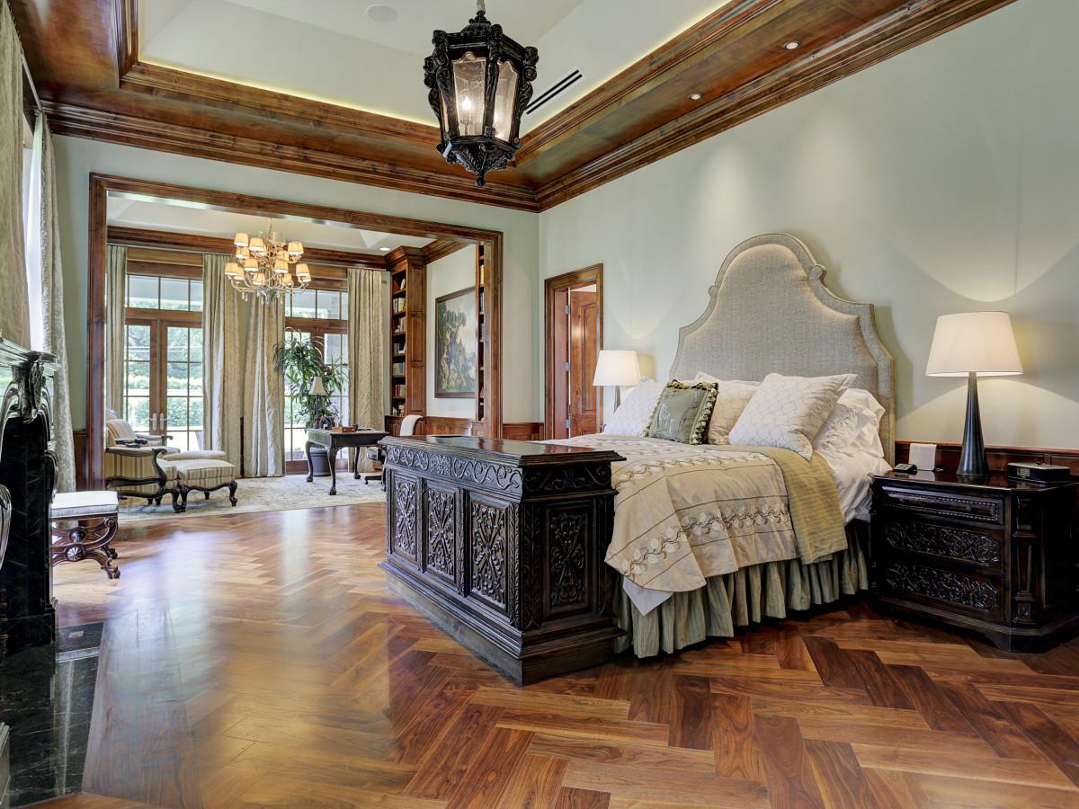 Houston, Buckingham 527, June 2015, master bedroom
