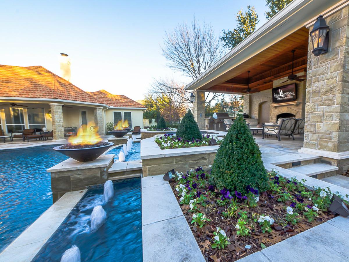 Dallas pool designed by Fallas Landscape LTD