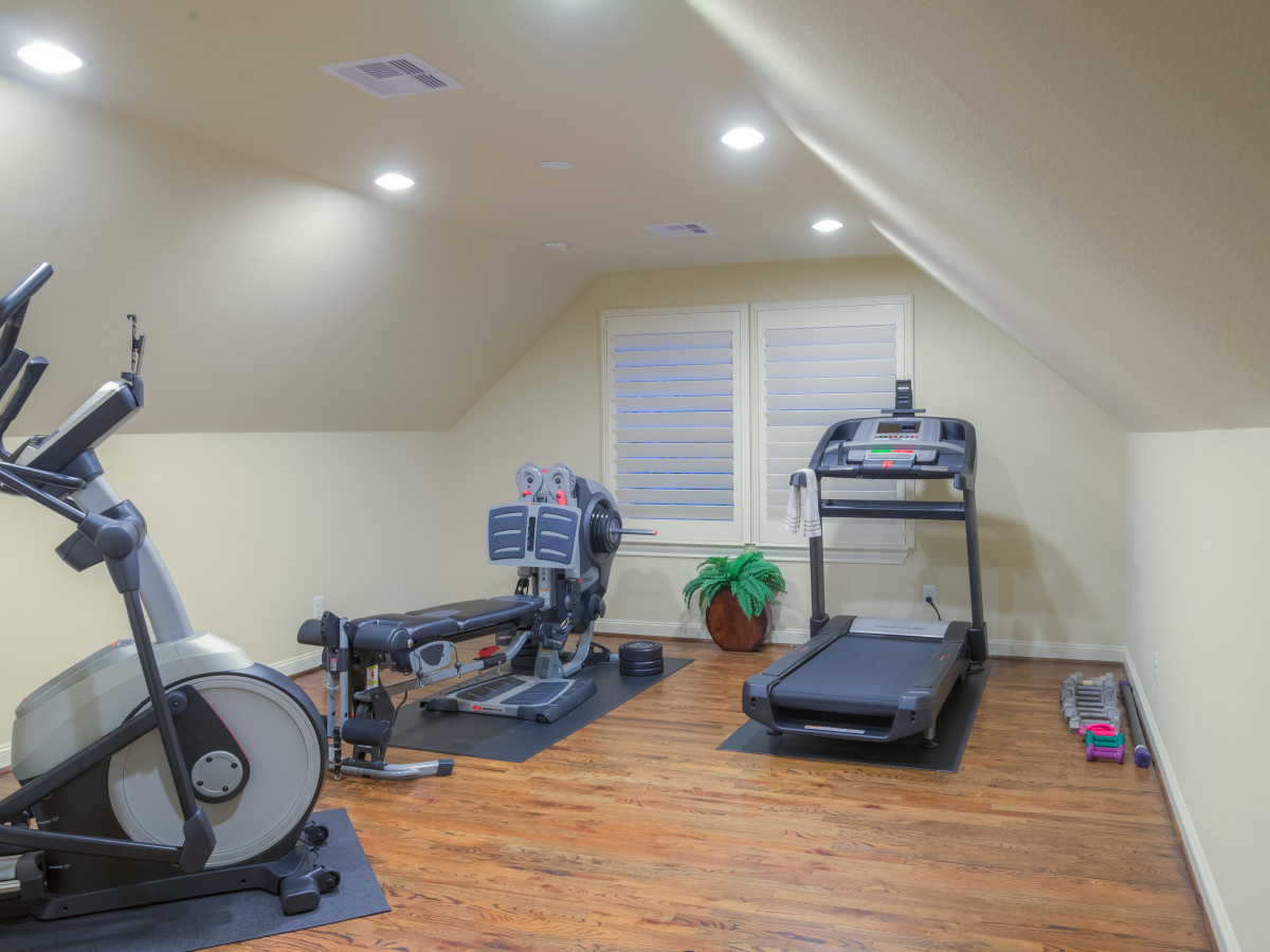 Houston, 1216 Bomar, June 2015, fitness room