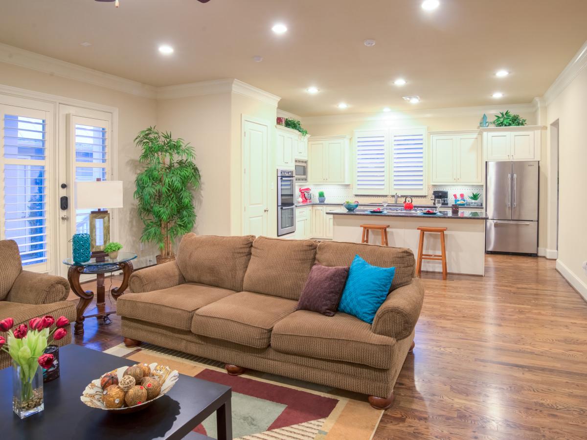 Houston, 1216 Bomar, June 2015, living area