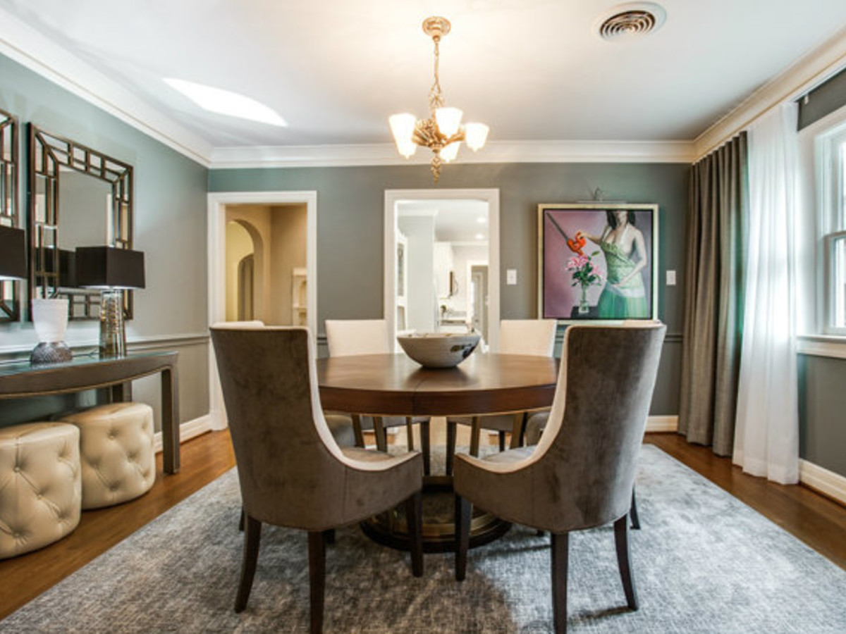Dining room at 811 Monte Vista Dr. in Dallas