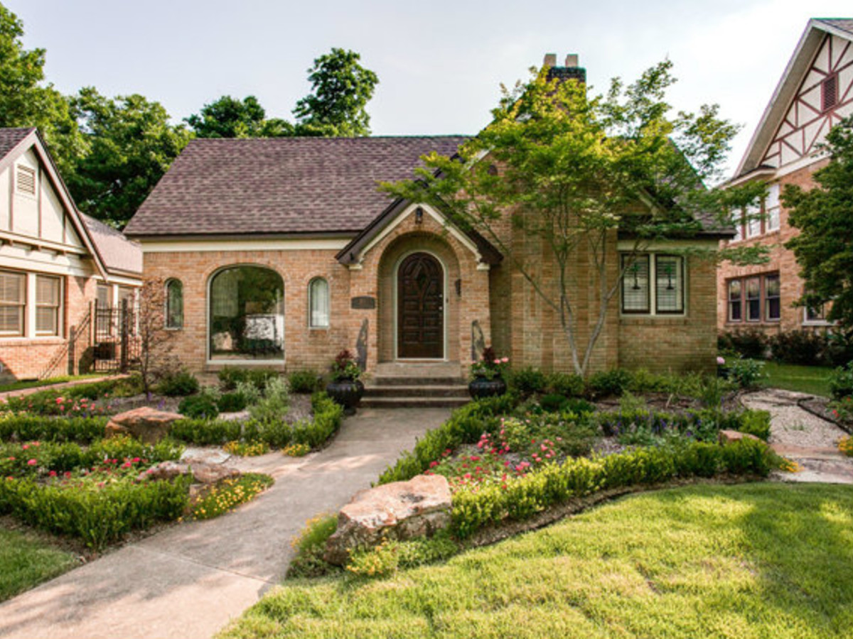 811 Monte Vista Dr. in Dallas