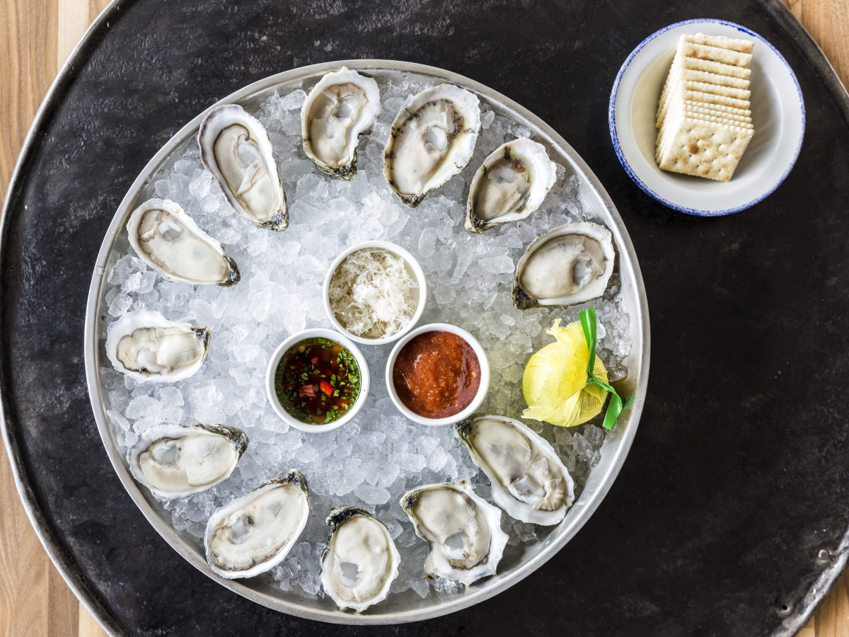 Houston, new happy hour deals, May 2017, oysters at Star Fish