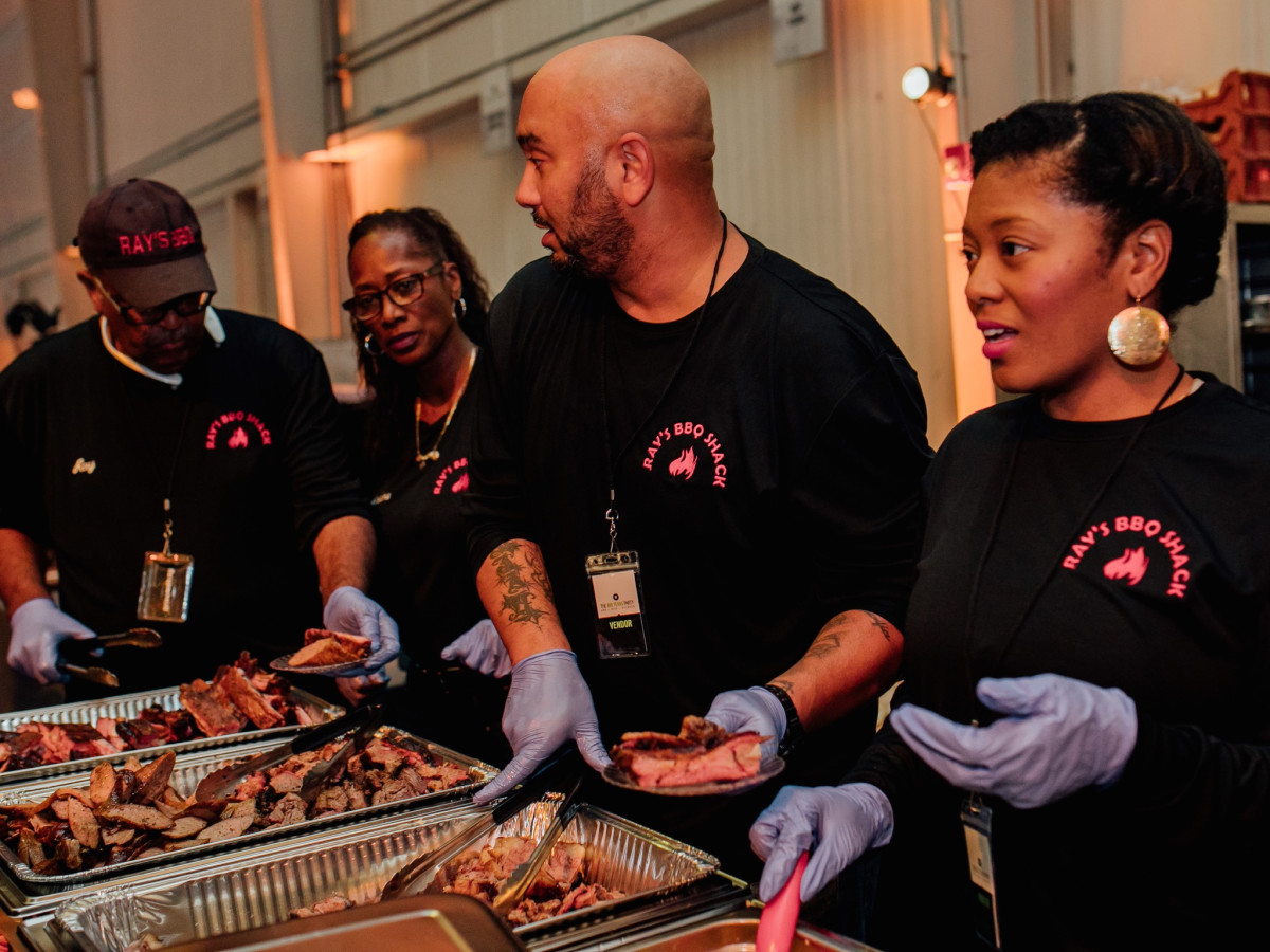 Ray's barbecue at Big Texas Party