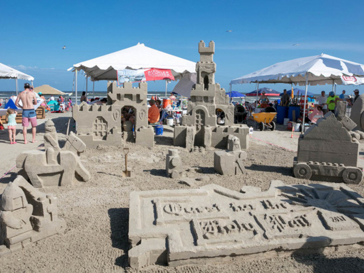 Houston, Houzz series, June 2017, Sandcastle contest, Quest for the Holy Pail