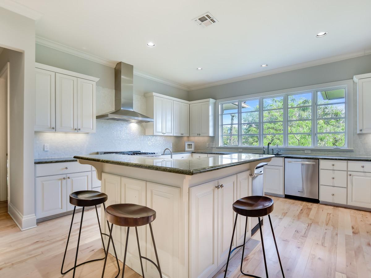 723 Elizabeth San Antonio house for sale kitchen