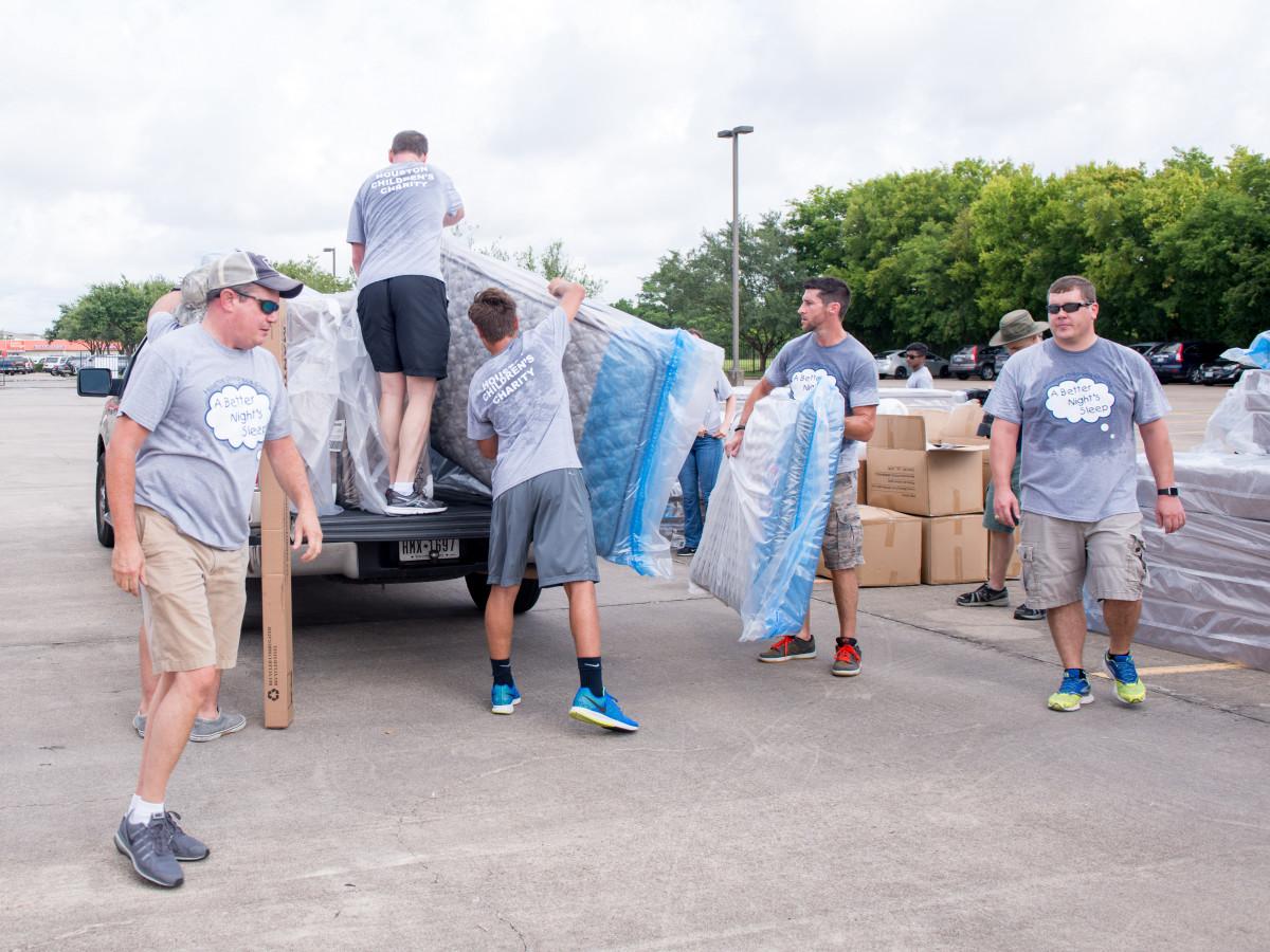Houston, Carlos Correa, Mattress Firm, Houston Children's Charity mattress giveaway, August 2017, volunteers