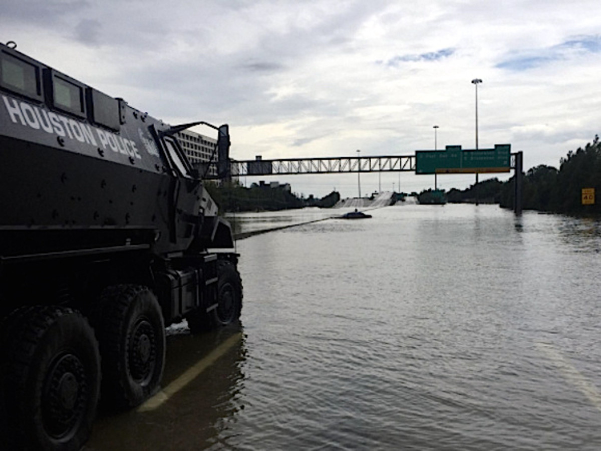 Houston, Hurricane Harvey, flood photos, HPD rescue