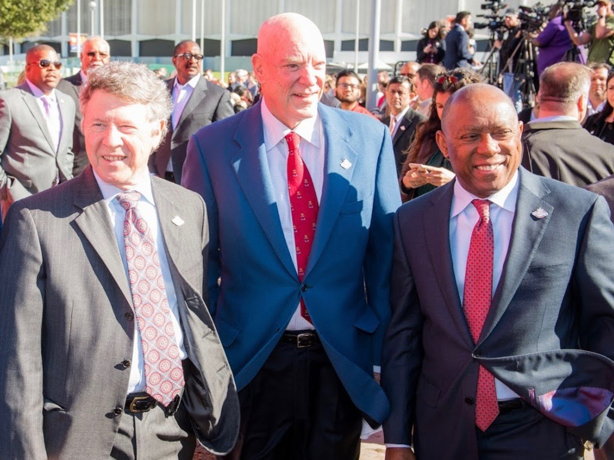 Ed Emmett, Bob McNair, Sylvester Turner at Super Bowl Countdown Clock