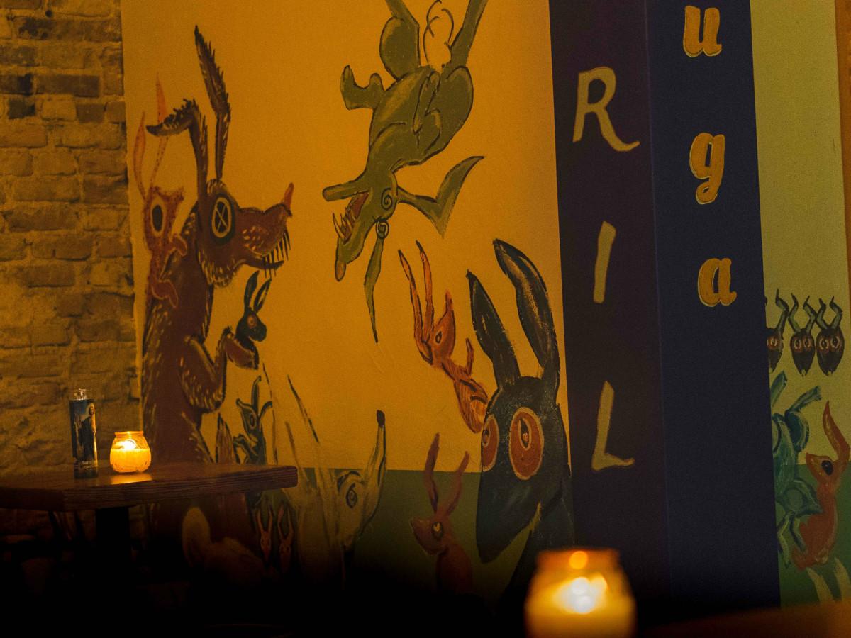 Las Perlas Austin bar mural