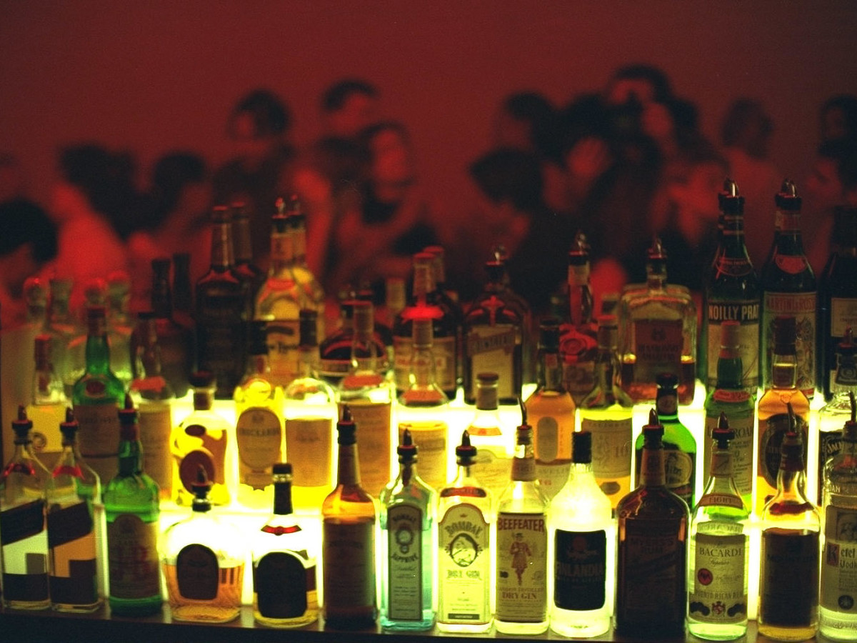 News_bar_liquor bottles