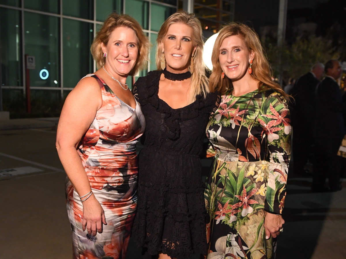 Kirby McCool, Courtney Hopson, Lindsay Holstead at Dress for Success Cuisine for a Cause