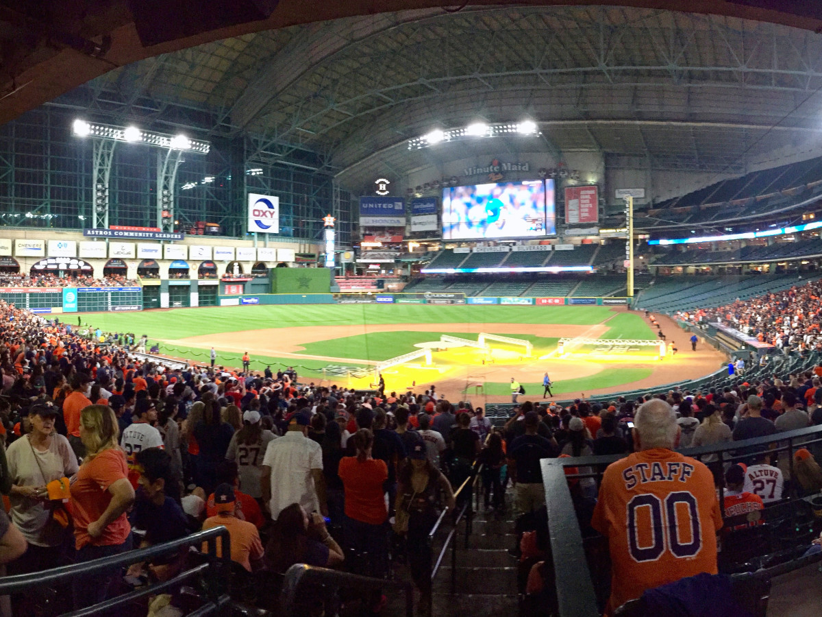 Cropped photo of crowd at Minute Maid Park Game 7 World Series