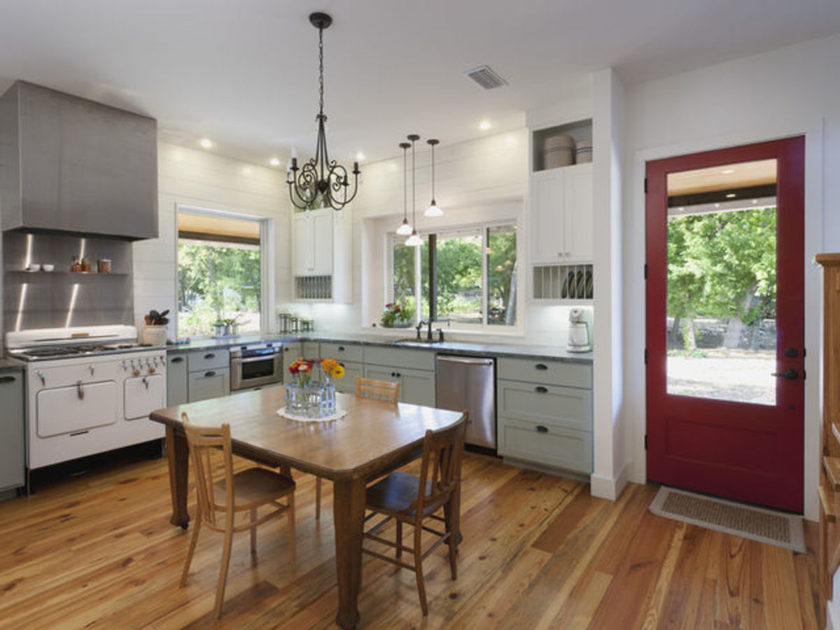 Houzz colorful farmhouse kitchen