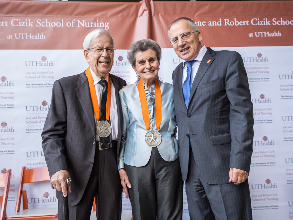 Robert and Jane Cizik with UTHealth President Giuseppe N. Colasurdo, M.D.