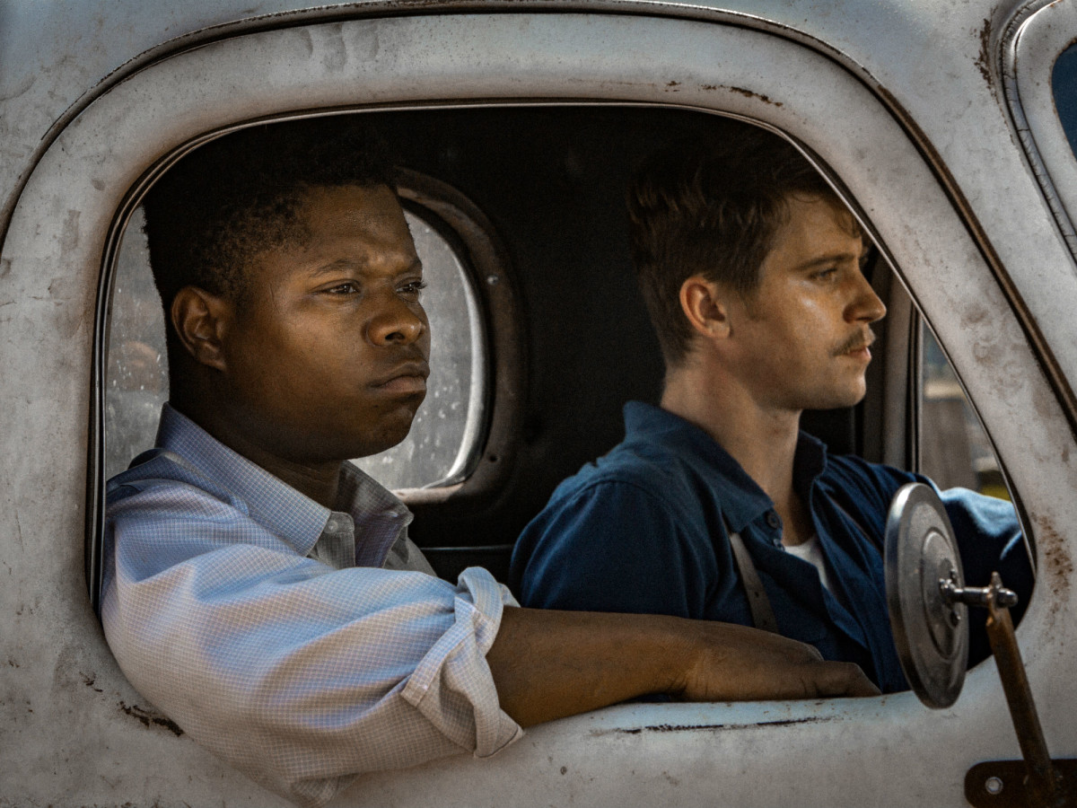 Jason Mitchell and Garrett Hedlund in Mudbound