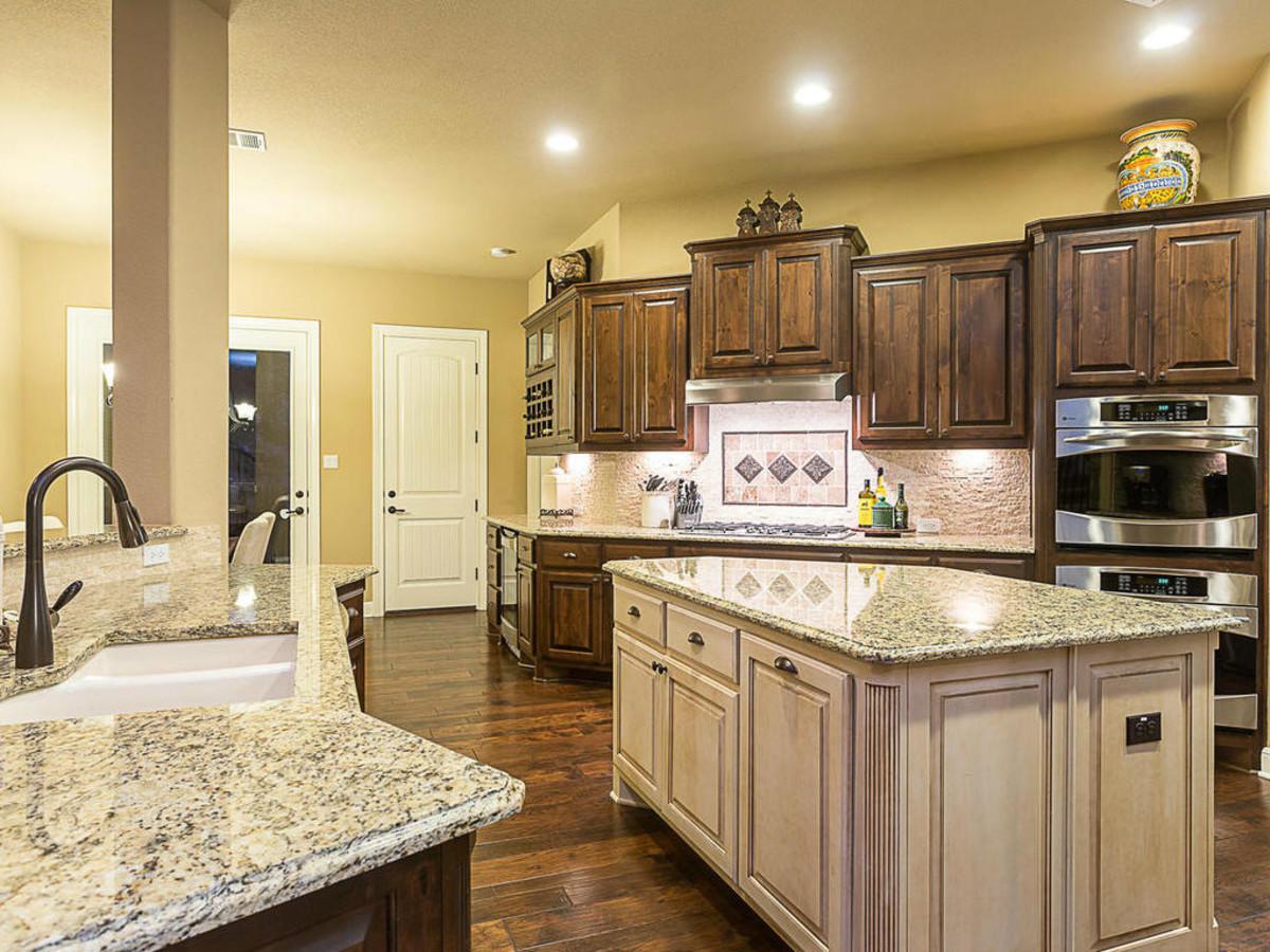 12704 Senna Hills kitchen
