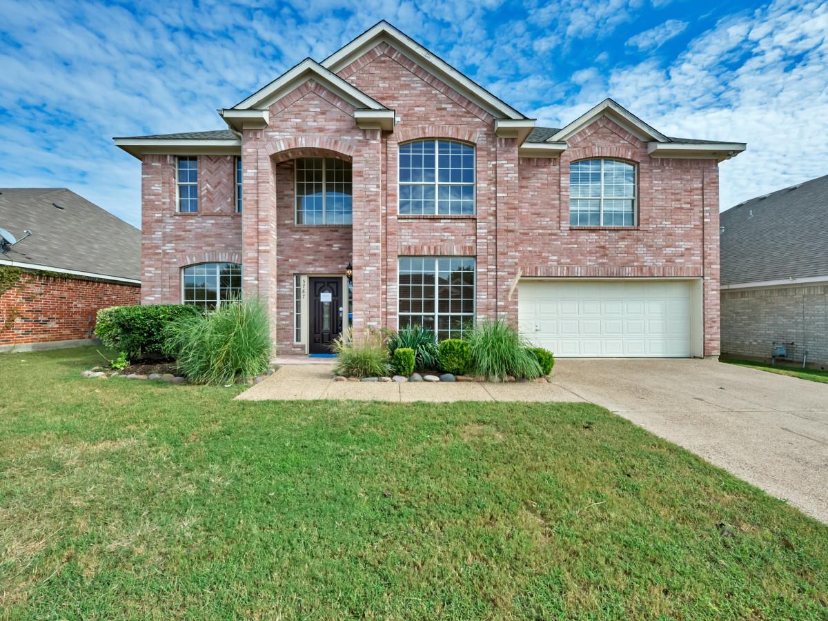 5787 Echo Bluff Dallas house for sale