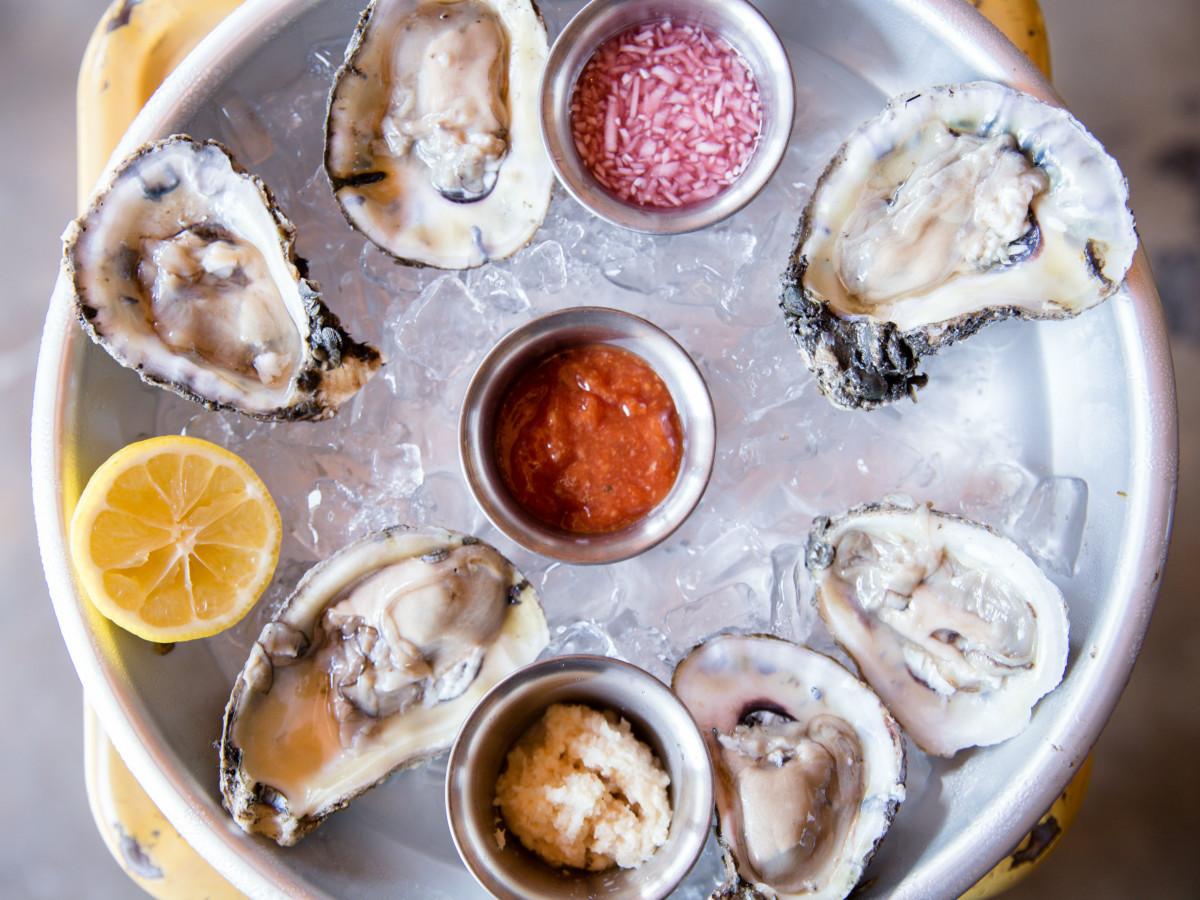 TLC Lamar Union ATX oysters