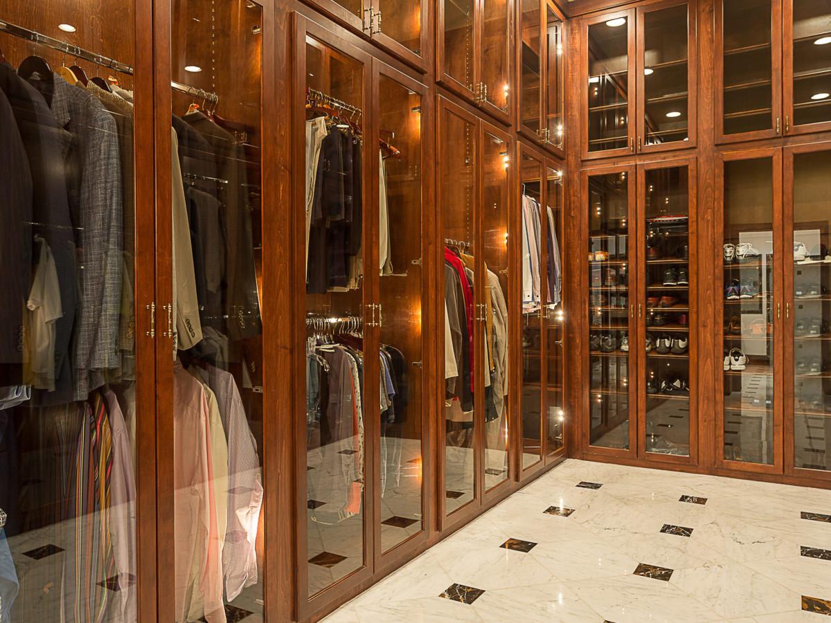 APRE home trends Travis Bluff closet