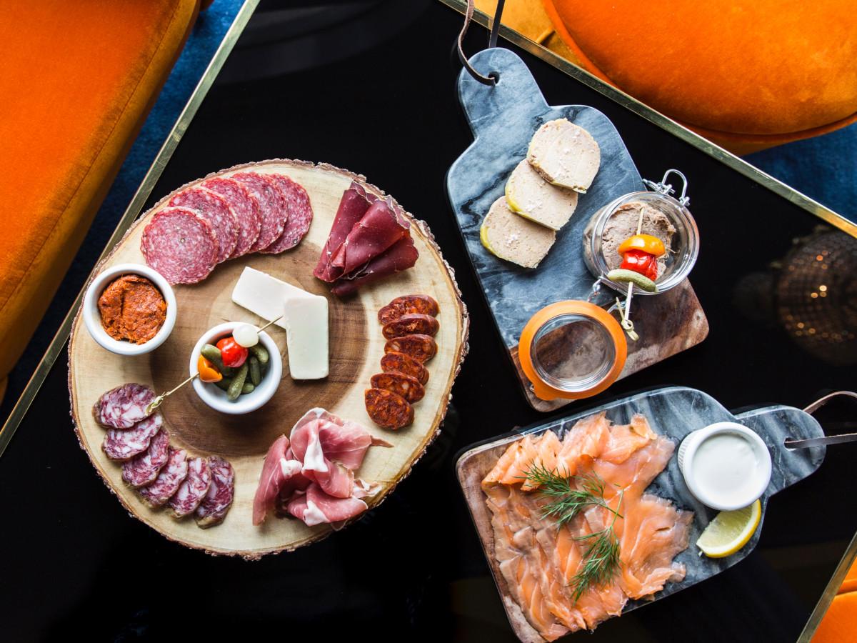 Bar Victor food